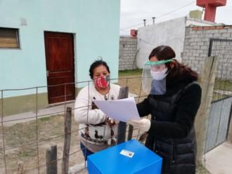 La escribana Galíndez visitó los barrios de zona sur para firmar escrituras